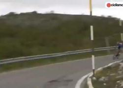 Giro d'Italia 2021 oggi, Mohoric caduta choc: colpo alla testa e... IL VIDEO