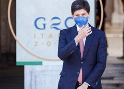 """Obbligo vaccinale, Speranza getta la maschera: """"Valuteremo la necessità"""""""