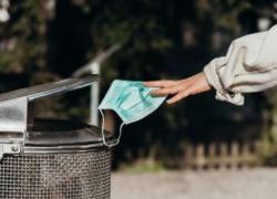 Fnomceo, mascherine problema ambientale se non smaltite correttamente