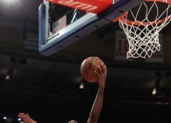 I Bucks accorciano, Jazz sul 2-0 con i Clippers