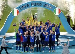Calcio: Figc. Trionfo azzurri a Wembley, sede federale cambia look