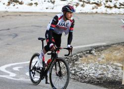 Jakobsen fa tripletta alla Vuelta, Trentin ancora piazzato
