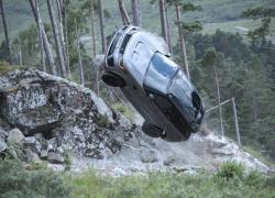 La Range Rover Sport SVR insegue 007 nel nuovo film di James Bond