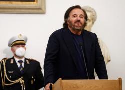 Grande Fratello Vip 5, 'Alfonso Signorini gesto orribile': l'attacco di Christian De Sica