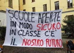 """Scuola, manifestazione al Liceo Classico Tito Livio, gli studenti:""""In classe c'è il nostro futuro"""""""