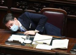 Giuseppe Conte è 'il Nulla fatto premier. Da zero a Palazzo Chigi'
