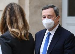Governo, Draghi in Senato per fiducia: 'Euro irreversibile. Fuori dall'Europa c'è meno Italia'
