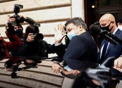 Crisi Italia viva, 5 deputati lasciano: Renzi pronto ad aprire al Pd di Letta