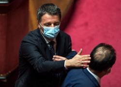 """Renzi in Bahrain, la risposta ai commenti: """"Finché legge lo permette, viaggerò"""""""