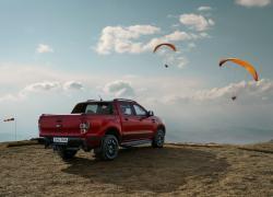 Ford presenta Ranger Stormtrak e Ranger Wolftrak, le nuove edizioni limitate del pick-up più venduto in Europa