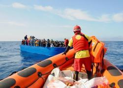 """Migranti, la lettera delle Ong: """"Il Governo Draghi rispetti la legge del mare"""""""