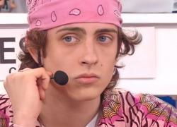 Amici 2021, perchè Sangiovanni veste spesso di rosa e mette lo smalto