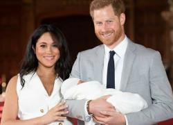 Regina Elisabetta e gli auguri a Harry e Meghan per i due anni del piccolo Archie
