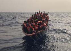 Migranti, ultime news da Lampedusa: sbarcano in 139, ma ce ne sono altri in arrivo