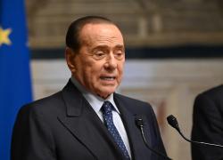"""Silvio Berlusconi ultima ora, il Cav sta meglio: """"Presto di nuovo in campo"""""""