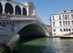 """Venezia fortezza: si corre a un piano per """"blindare"""" la città dall'acqua alta"""