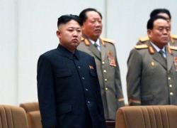 Corea del Nord, Kim Jong-un dichiara guerra ai jeans: si rischia pena di morte