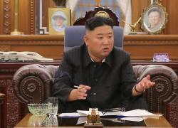 Kim Jong-un riappare molto dimagrito.  Il dubbio: dieta o grave malattia?