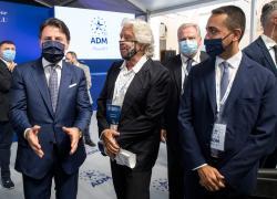 """Grillo e Conte incontrano l'ambasciatore cinese: si tratta di un """"normale"""" incontro"""