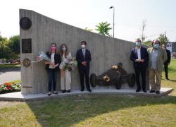 Svelato il monumento che rende omaggio ad Alberto Ascari: la Gallery