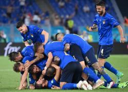 """Europei 2021, polemica sull'Inno di Mameli. """"Aboliamolo, non rappresenta l'Italia"""""""