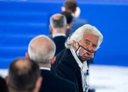 Grillo, i 5 stelle aggiungono altri 20 mila euro di debiti con Rousseau per colpa di un post