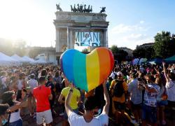 Pride 2021: da Roma a Milano in migliaia marciano per il Ddl Zan