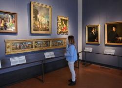 Uffizi, tassa sui panini: lotta contro la sporcizia a Firenze. Scoppia il caos