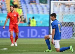Europei 2021, Italia e Spagna: i calciatori si inginocchiano per la Carrà?