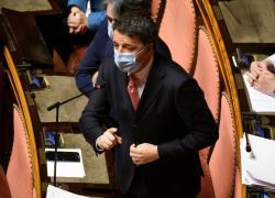 """Renzi umilia i grillini: """"5 stelle solo poltronari, stanno evaporando"""""""