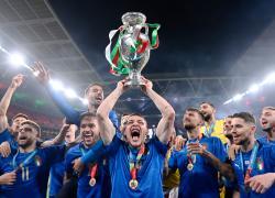 Azzurri a Roma con la coppa: nel pomeriggio l'incontro con Mattarella e Draghi