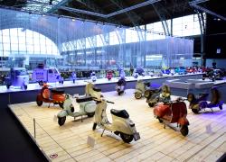 Il museo Autoworld di Bruxelles festeggia i 75 anni di Vespa