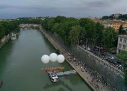 """""""Ponte Farnese"""", svelata  l'installazione temporanea di Olivier Grossetête"""