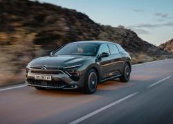 Con il suo stile, C5 X incarna perfettamente la filosofia Citroën.