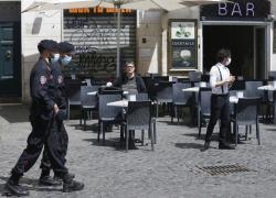 Green pass obbligatorio, Locatelli dice sì: come l'Italia diventa Stato di polizia