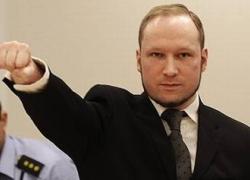 Strage di Utoya, Breivik non si pente: 10 anni fa il massacro a sangue freddo
