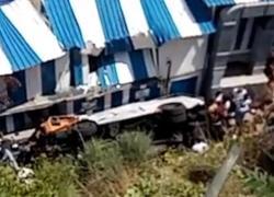 Incidente a Capri: minibus di linea precipita per 20 metri. Paura per i 6 feriti