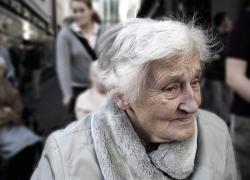 """81enne morta a Pavia dopo vaccino Covid, i figli: """"Le hanno dato quattro dosi"""""""