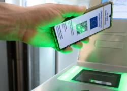 Green pass falsi in vendita, la Polizia blocca 32 canali Telegram