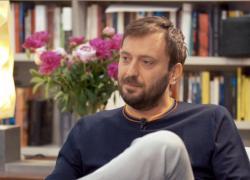 """Cesare Cremonini si sfoga per gli amici no-vax: """"Vanno aiutati, non devono essere isolati"""""""