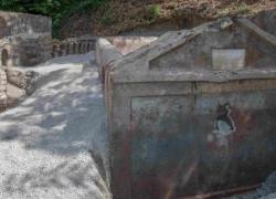 Pompei, scoperta tomba con corpo semi-mummificato: ecco a chi appartiene