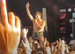 Maneskin estremi al Festival di Ronquieres in Belgio: Victoria col seno fuori e Damiano...VIDEO