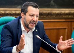 """Salvini: """"Lega resta al Governo, no a Italia piena di tasse, sbarchi e problemi"""""""