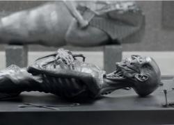 Damien Hirst a Londra con la mostra 'Reliquie e dipinti volanti' si conferma un grande dell'arte contemporanea