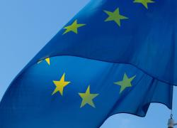 """Mattarella invoca un esercito europeo: prima """"ideale"""" potente, ora solo grande occasione mancata"""