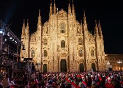 Concerto per Milano, la Filarmonica della Scala abbraccia il suo pubblico in Piazza Duomo