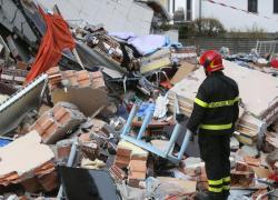 Roma, crolla palazzina dopo un'esplosione: feriti e dispersi