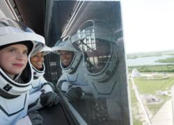 SpaceX, Falcon 9 in orbita: è il primo volo senza astronauti professionisti