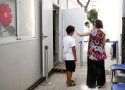 Lecce, vaccino a 13enne: muore dopo un malore improvviso. La città dice addio a Arianna