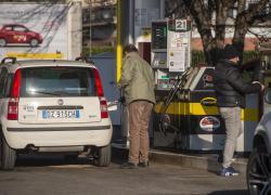 Germania, chiede al cliente di indossare la mascherina e viene ucciso